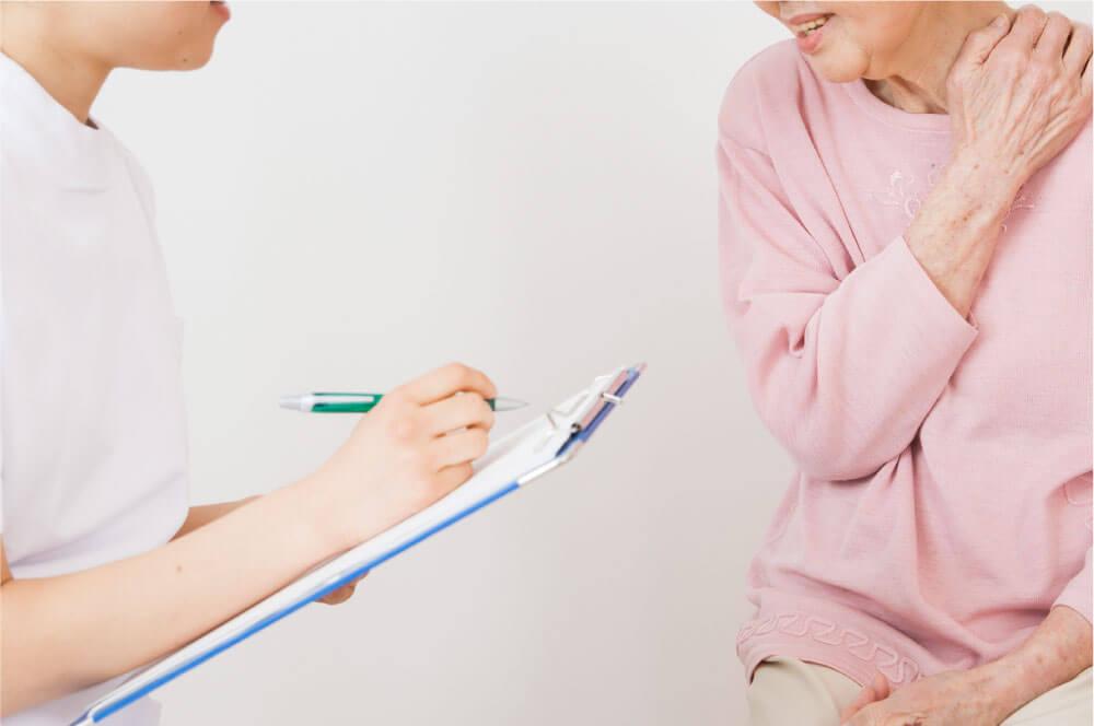 交通事故に遭われた場合、自賠責保険を適用することで自己負担ナシ(0円)で治療を受けることが可能